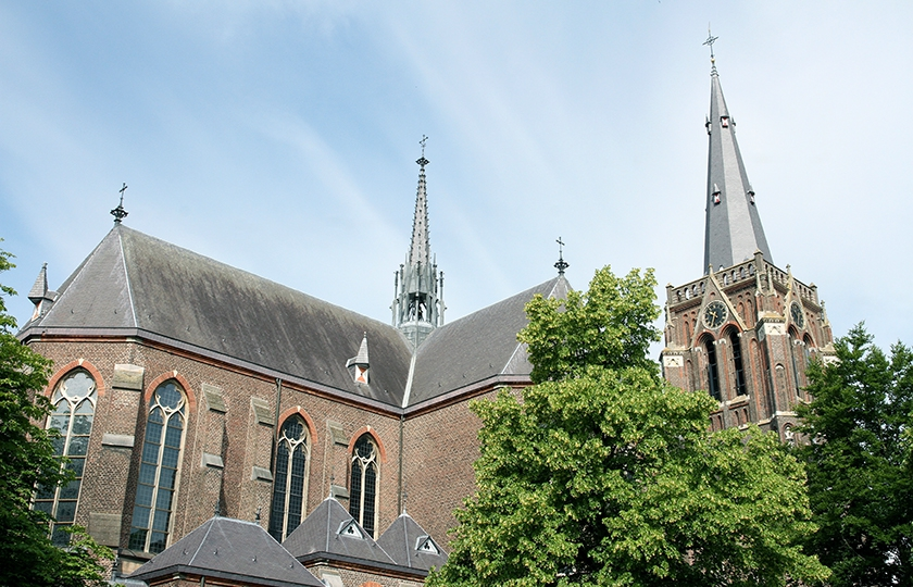 Sint-Odulphuskerk in Best