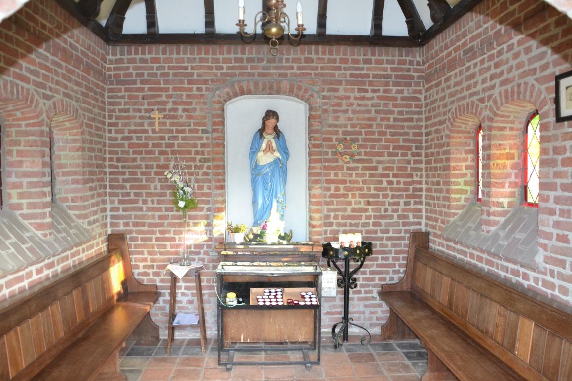 Mariabeeld in de kapel afkomstig uit Tilburg